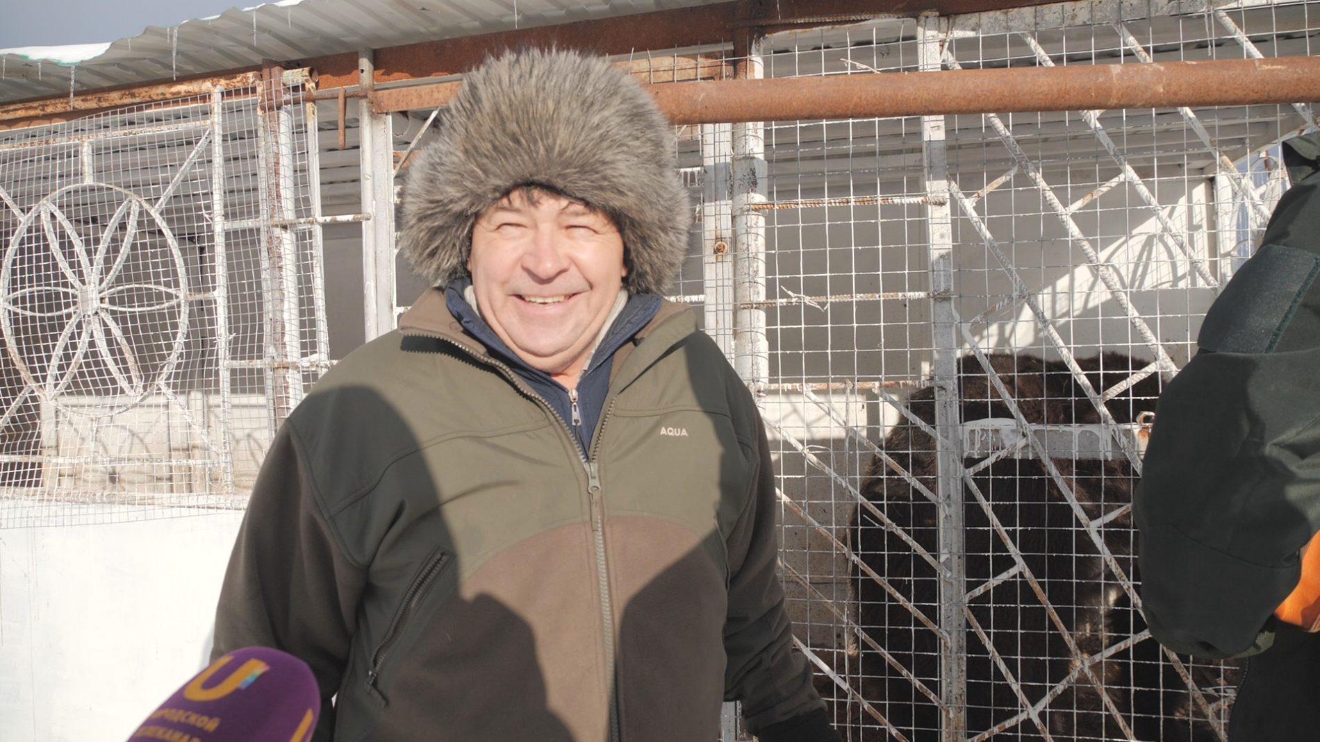 """Фермер Хасан Идиятуллин создал свою """"империю"""", в которой есть место лошадям, павлинам, уткам и даже… медведям!"""