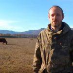 Михаил Батунин раньше строил метро, а сейчас стал фермером, имеет 50 коров и возводит большую сыроварню
